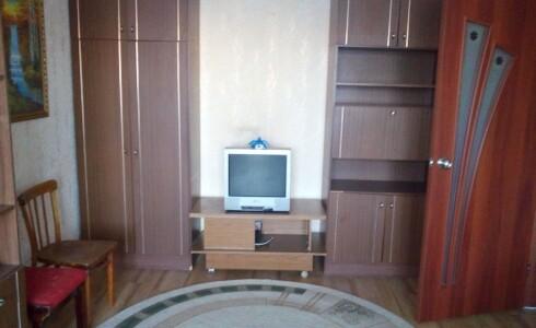 Сдается 2 комнатная квартира 45м2 , 50 комплекс, номер 1011340 - 4