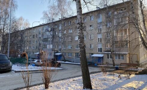 Продается 2-комнатная квартира 44м2 , 10 комплекс, номер 8507 - 12