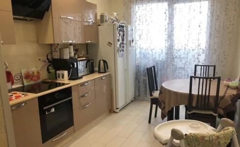 Продается 2-комнатная квартира 68м2  в Новом Городе, 36 комплекс, номер 3983 - 8