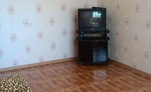 Сдается 2 комнатная квартира 72м2 , 36 комплекс, номер 1005361 - 5