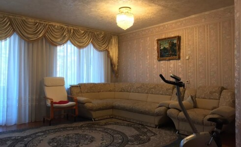 Продается 4-комнатная квартира 105м2  в Новом Городе, 45 комплекс, номер 5852 - 5