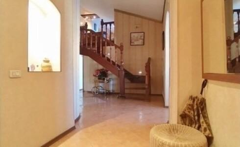 Продается 3-комнатная квартира 181м2  в Новом Городе, 14 комплекс, номер 9039 - 5