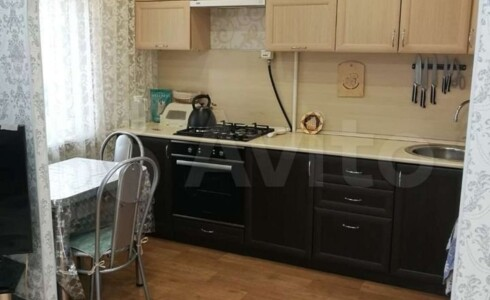 Продается 3-комнатная квартира 58м2  в Новом Городе, 56 комплекс, номер 9394 - 3