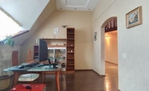 Продается 3-комнатная квартира 181м2  в Новом Городе, 14 комплекс, номер 9039 - 20