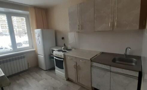 Продается 1-комнатная квартира 39м2  в Новом Городе, 17 комплекс, номер 9021 - 1