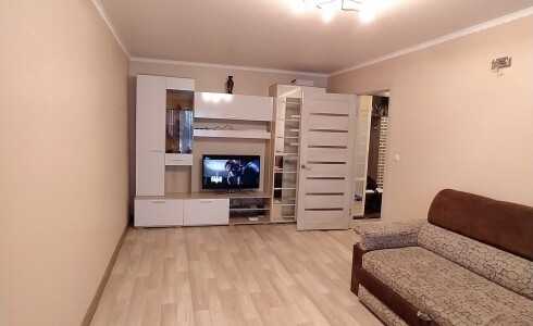 Продается 2-комнатная квартира 45м2  в Новом Городе, 25 комплекс, номер 9040 - 4