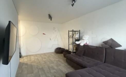 Продается 1-комнатная квартира 33м2 , 17 комплекс, номер 110076 - 1