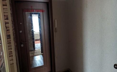 Продается 4-комнатная квартира 57м2  на ЗЯБи, 15 комплекс, номер 5747 - 1