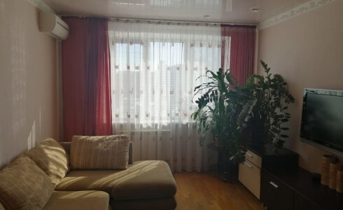Продается 3-комнатная квартира 65м2  в Новом Городе, 17 комплекс, номер 9367 - 14