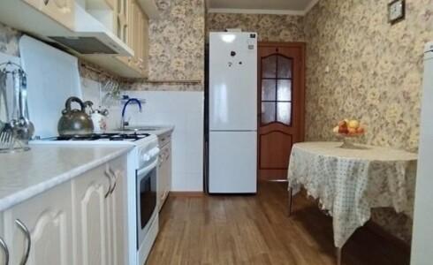 Продается 3-комнатная квартира 58м2  на ЗЯБи, 18 комплекс, номер 8689 - 15