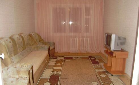 Сдается 2 комнатная квартира 60м2 , 54 комплекс, номер 1002819 - 4